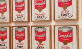 Andy Warhol expose ses Shadows au Musée d'Art Moderne de Paris