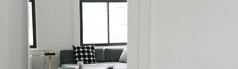 Mettre en valeur son coin canapé pour un salon design